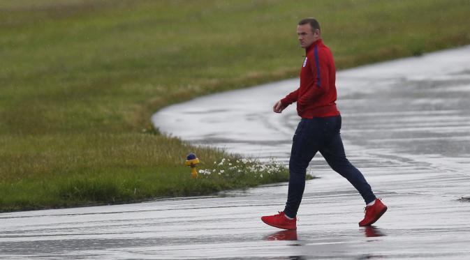 Kapten Manchester United Wayne Rooney Di Belakang Striker